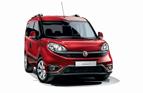 Fiat Doblo - Bordeaux - Driving - Front / Right Side View